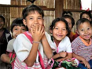 reis-laos-weeshuis